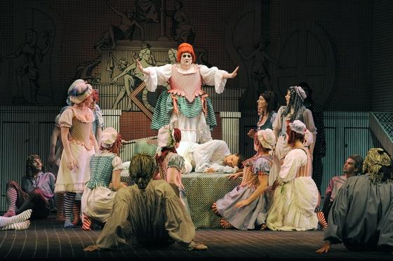 The Rake's Progress performed by Glyndebourne Opera Topi Lehtipuu ( Tom Rakewell ) Susan Gorton ( Mother Goose )