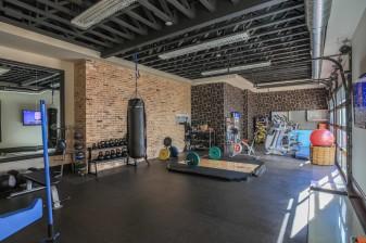 Wall-Art-Garage-Gym-Ideas